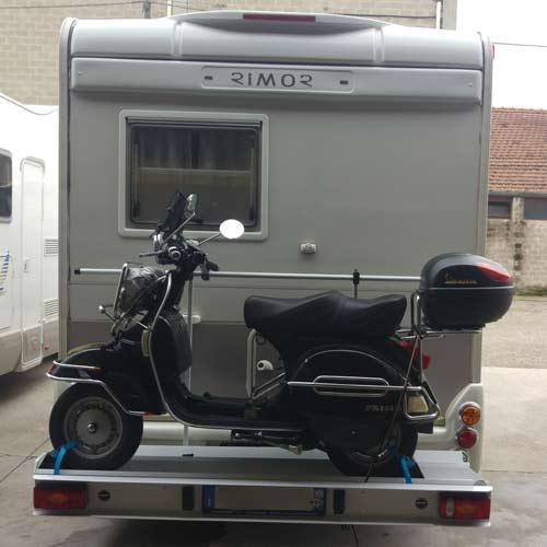 camper-assandri-assistenza-montaggio-porta-moto-camper