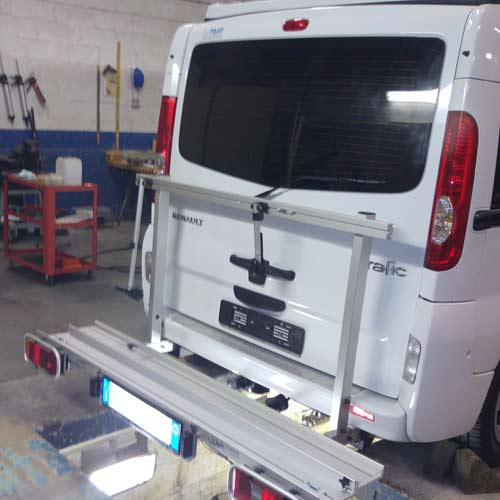 camper-assandri-assistenza-montaggio-porta-moto-furgoncino